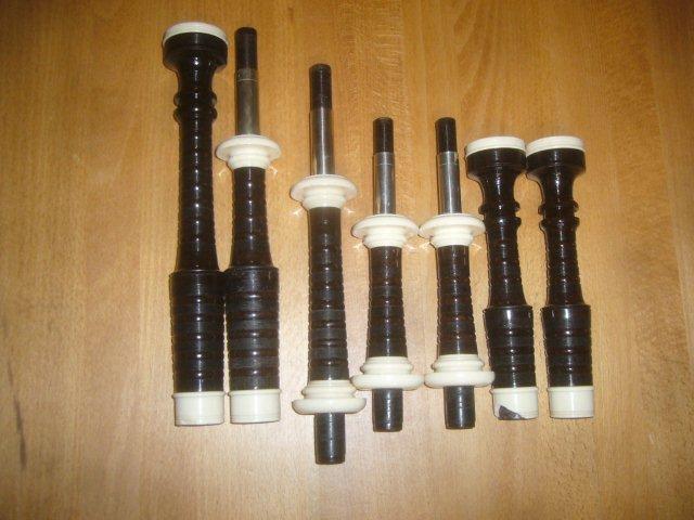 gebrauchte Pipe mit starken Beschädigungen am Kunstelfenbein